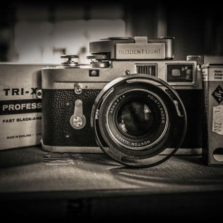 Leica M2 with Voigtlander, Sony DSC-RX1RM2, 35mm F2.0