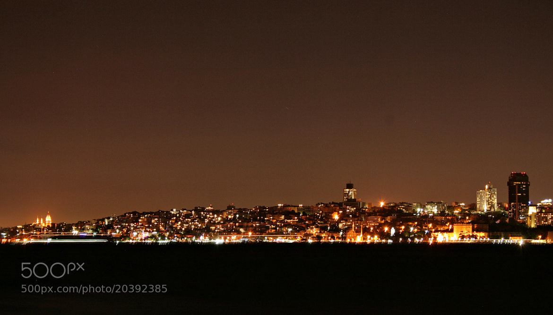 Photograph The city that never sleeps by Sibel Sedefoğlu on 500px