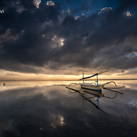 Floating in the Clouds .., Nikon D810, Sigma 17-35mm F2.8-4 EX DG  Aspherical HSM