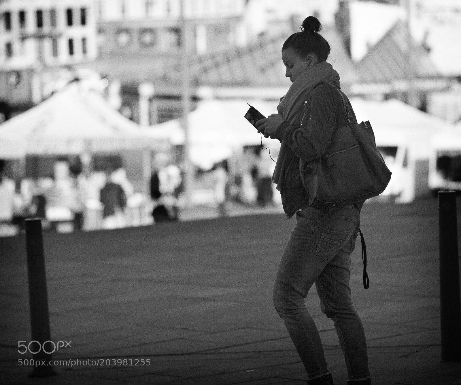 Checking phone messages, Canon EOS 5D MARK II, Canon EF 135mm f/2.8 Soft