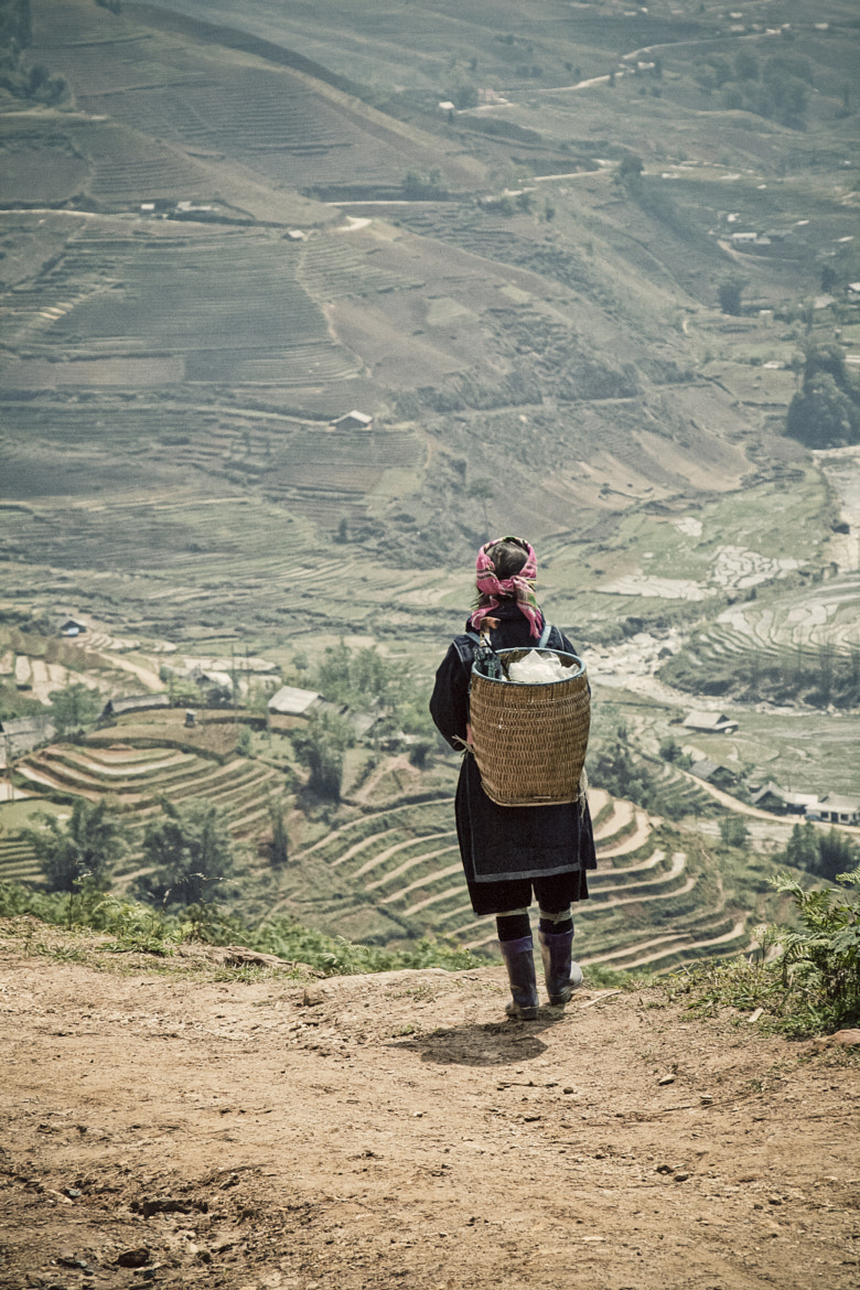 Photograph [•] Lonely Girl, Sapa, Vietnam by Retired Photographer on 500px