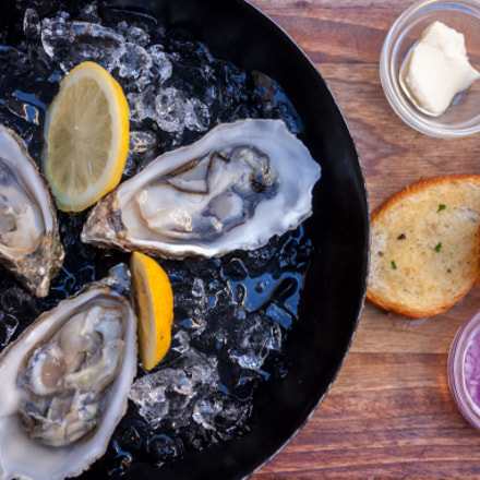 fresh opened oysters, Canon EOS 500D, Canon EF 40mm f/2.8 STM