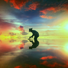 Standing with the Shadow by Alit Apriyana (Apriyana)) on 500px.com