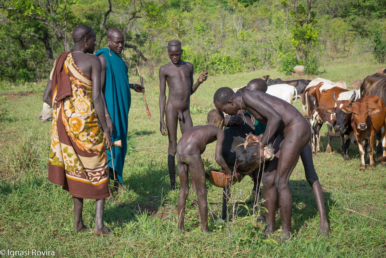 Surma (Ethnic grup),Near Kibish, Ethiopia by Ignasi Rovira