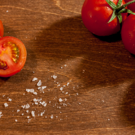 fresh ripe cherry tomatoes, Canon EOS 500D, Canon EF 40mm f/2.8 STM