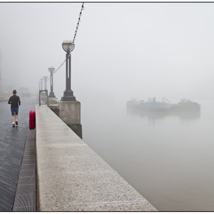 Foggy Morning in London., Canon EOS M, Canon EF-M 18-55mm f/3.5-5.6 IS STM