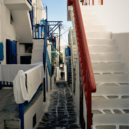 Walking through Mykonos streets, Sony DSC-W50