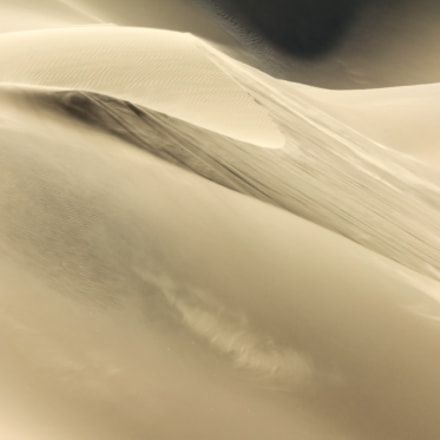 Shifting sand dune contrasts, Canon EOS 550D, Tamron SP 70-300mm f/4.0-5.6 Di VC USD