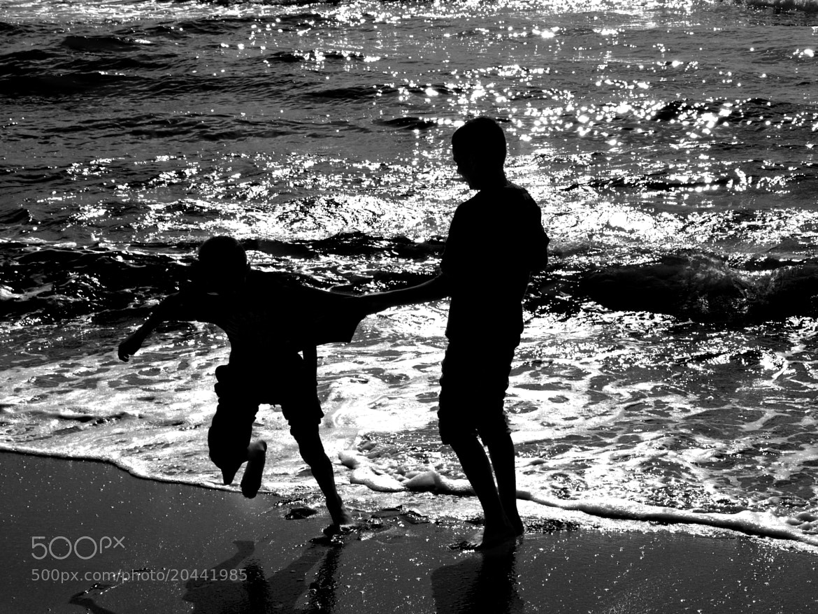 Photograph Sunny Play by Salvatore Cerniglia on 500px