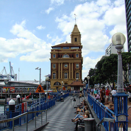 Ferry Building Auckland, Sony DSC-H9