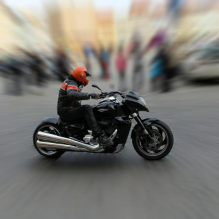 Biker, Canon EOS 60D, Canon EF-S 15-85mm f/3.5-5.6 IS USM