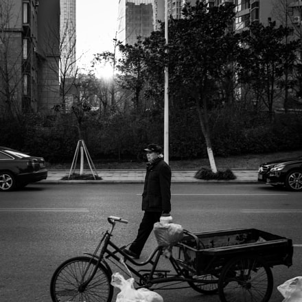 Walking on the street, Canon EOS 100D, Canon EF-S 24mm f/2.8 STM