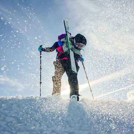 Young girl with skis, Nikon COOLPIX A