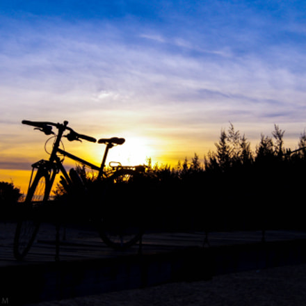 sunset and bicycle, Sony SLT-A35, DT 18-55mm F3.5-5.6 SAM