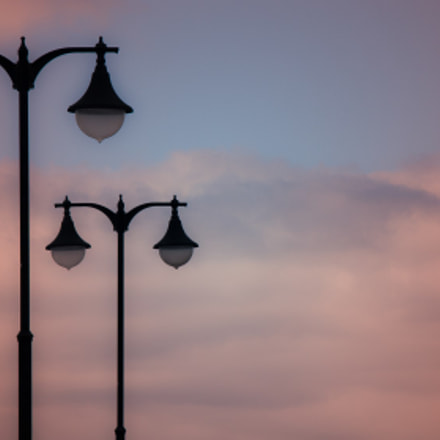 Lamps in the sky, Canon EOS 400D DIGITAL, Sigma 18-125mm f/3.8-5.6 DC OS HSM