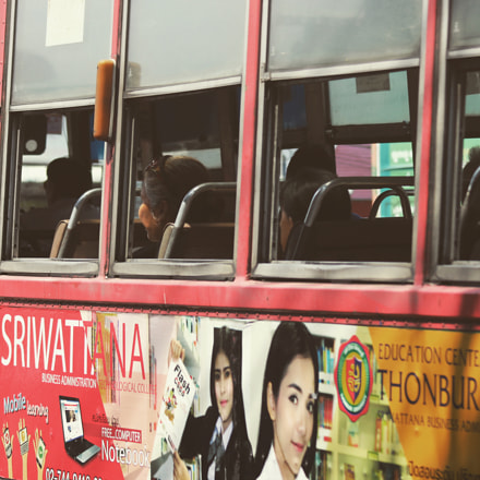 Bus adds, Canon EOS 700D, Canon EF 90-300mm f/4.5-5.6 USM