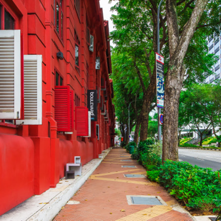 An alley between Red, Nikon D7200, Sigma 8-16mm F4.5-5.6 DC HSM