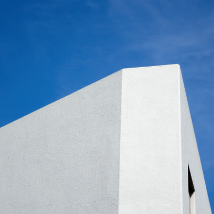 White building and Blue, Sony DSC-RX10, Sony Cyber-shot DSC-RX10