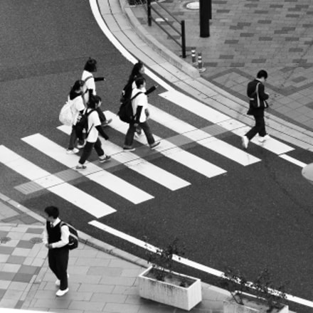 People crossing, Canon EOS 400D DIGITAL, Canon EF-S 55-250mm f/4-5.6 IS