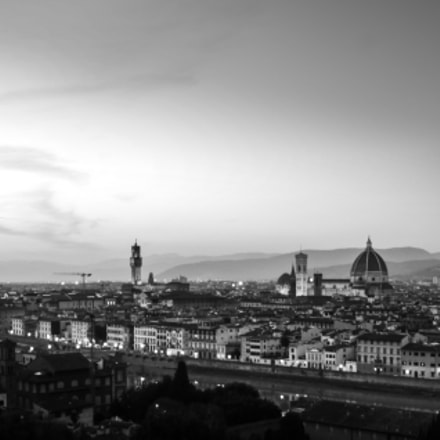 Firenze's skyline at night, Canon EOS 5D MARK III, Canon EF 28-300mm f/3.5-5.6L IS
