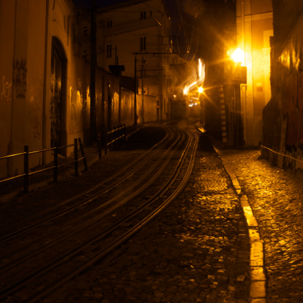 dark streets up and, Canon EOS 7D, Canon EF 28-135mm f/3.5-5.6 IS