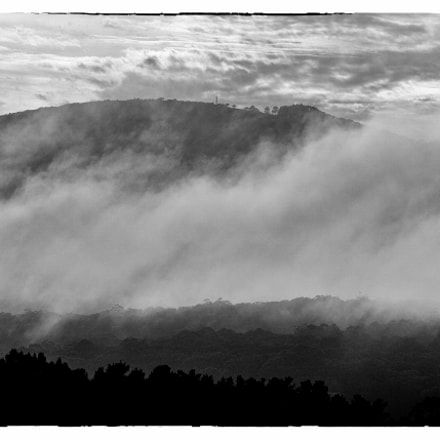 Morning Mist on Mount, Nikon 1 V1, 1 NIKKOR VR 30-110mm f/3.8-5.6