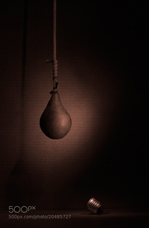 Photograph bulb  (висит груша, нельзя скушать) by Salavat Fidai on 500px