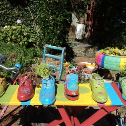 Colorful Shoes, Sony DSC-S2000