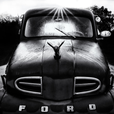 Old Ford in Black, Canon EOS 5D MARK III, Canon EF 300mm f/2.8L