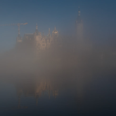 Schweriner Schloss im Nebel, Canon EOS 70D, Tamron AF 18-270mm f/3.5-6.3 Di II VC LD Aspherical [IF] Macro