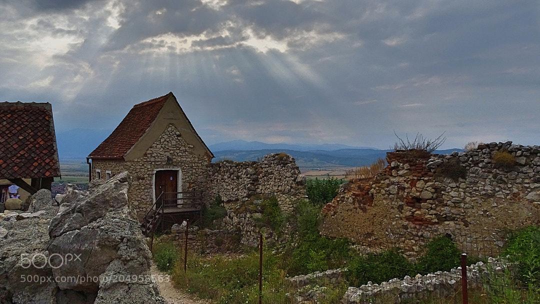 Rasnov citadel ruins