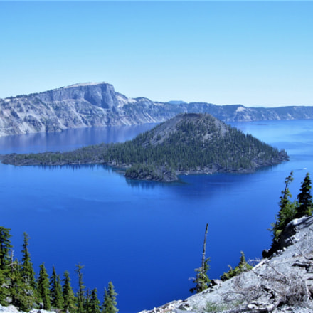 Crater lake in summer., Nikon COOLPIX P4