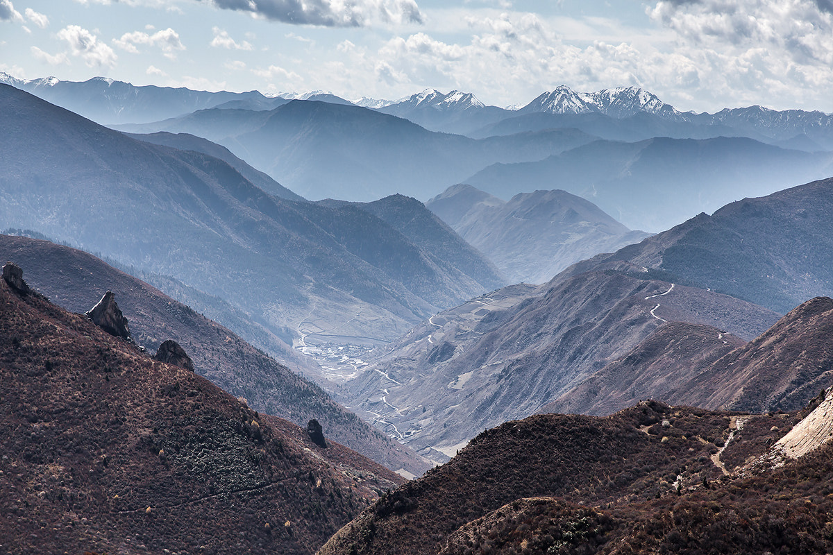 Photograph On the way to Xuebaoding peak 3 by Sasipa Muennuch on 500px
