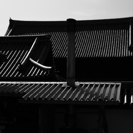 Entangled rooftops, Canon EOS KISS X7I, Canon EF 24-105mm f/4L IS