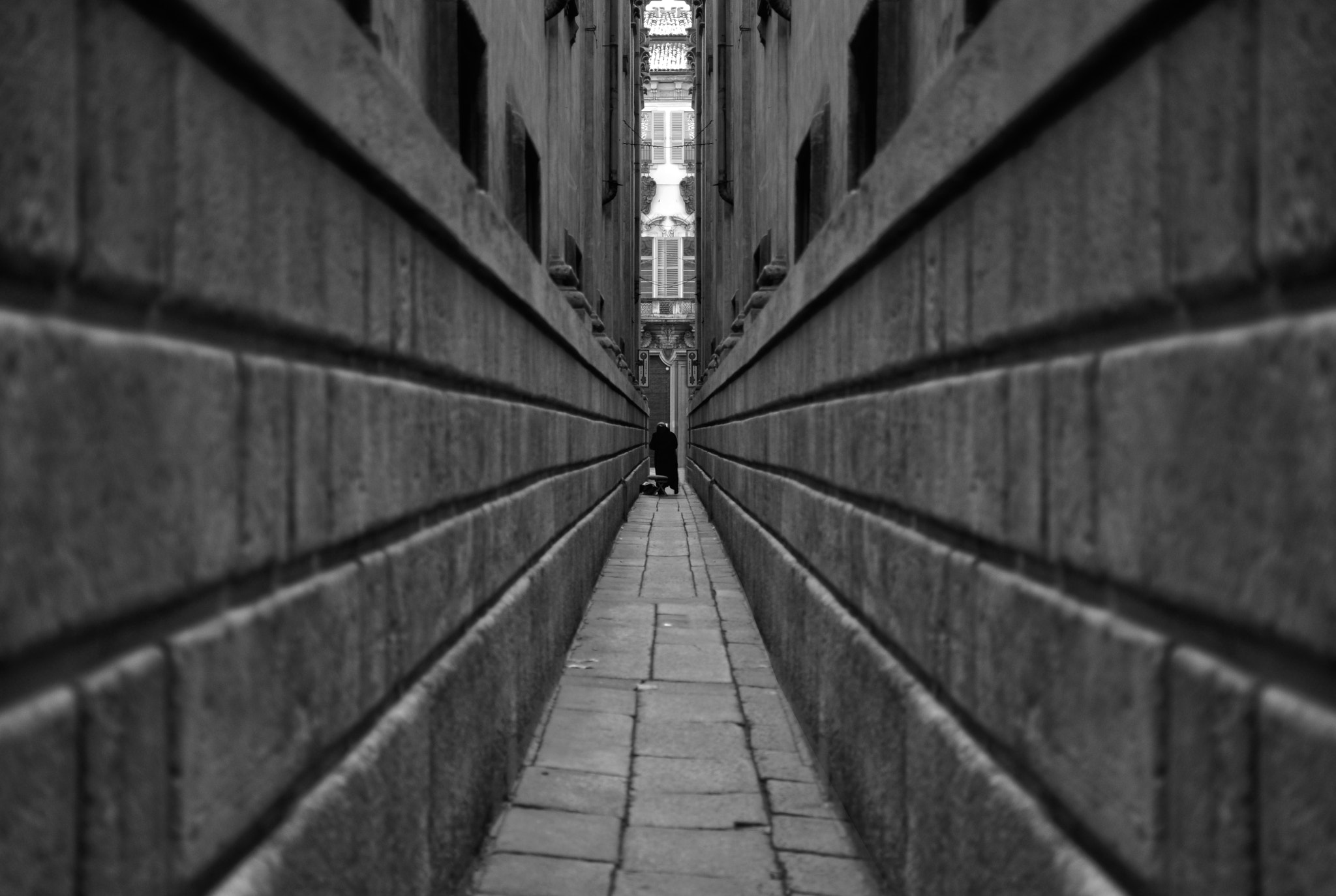 Photograph origin of symmetry by Francesco Iannuzzi on 500px