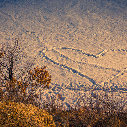 Heart on the snow, Canon EOS 550D, Tamron AF 17-50mm f/2.8 Di-II LD Aspherical