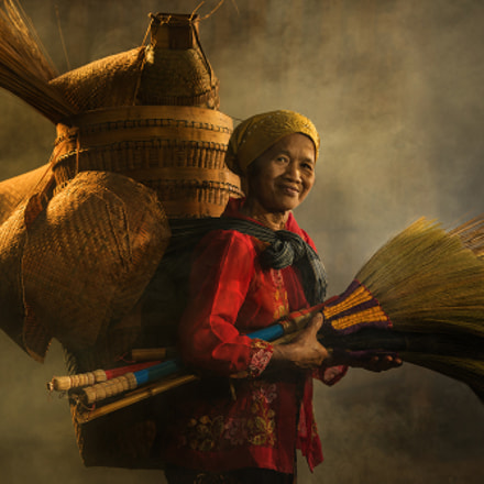 Brooms and Baskets Trader, Canon EOS 5DS R, Canon EF 70-200mm f/2.8L IS II USM