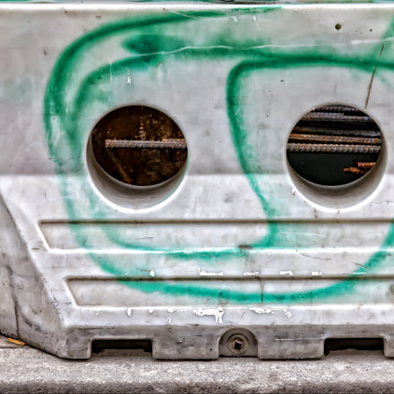 Barricade Face, Canon EOS 5D MARK II, Canon EF 24-105mm f/4L IS