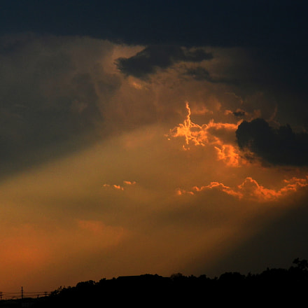 Storm Light, Nikon D7000, AF Zoom-Nikkor 28-200mm f/3.5-5.6D IF