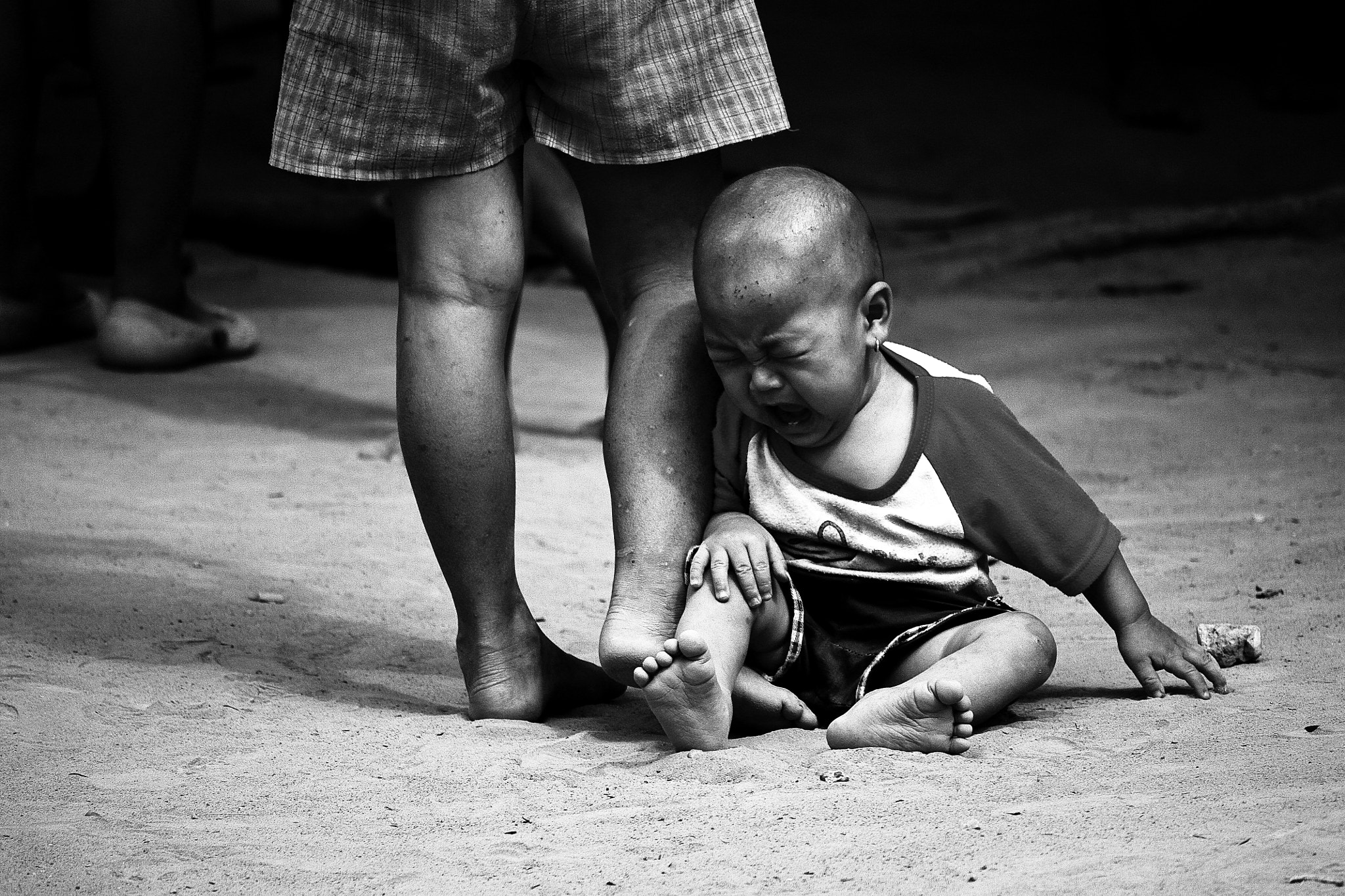 Photograph Children Cry by piti singhanuwongsa on 500px