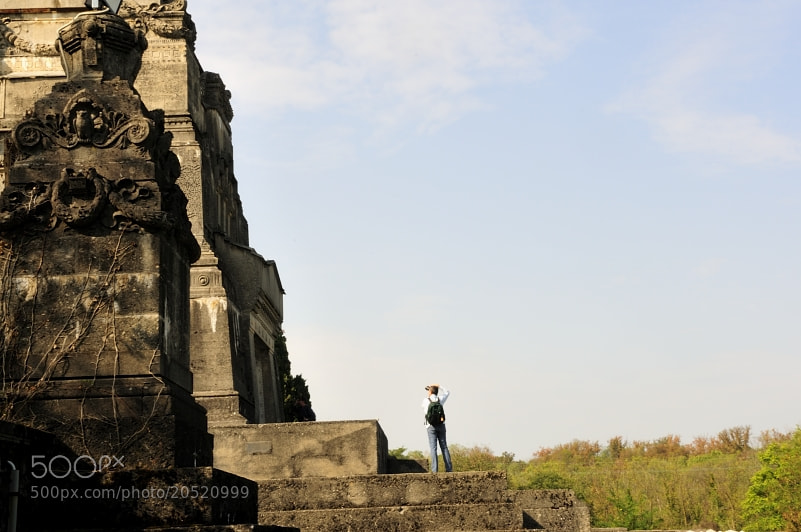 Photograph mausoleo by The Thai Cat  on 500px