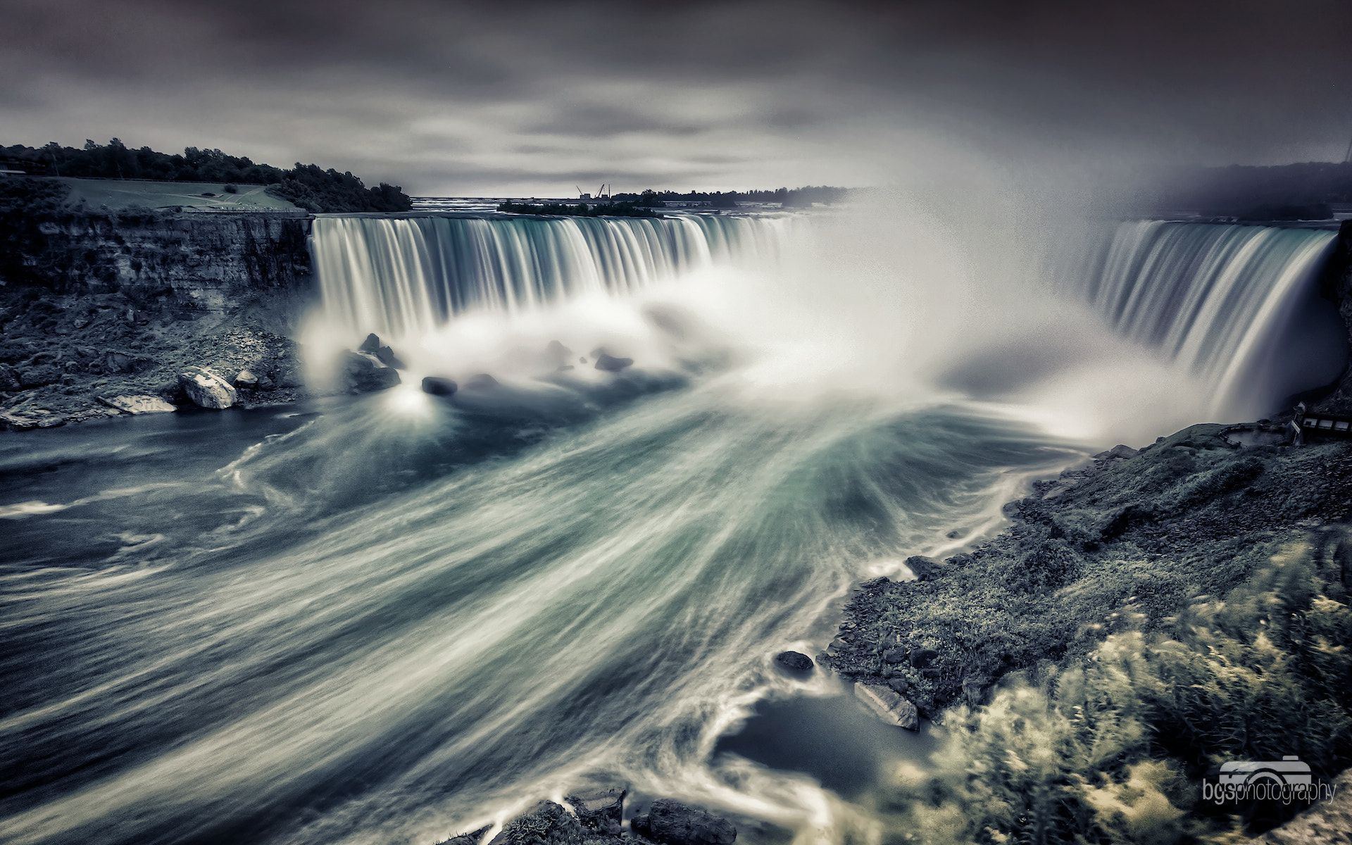 Photograph The falls by Benjamin gs on 500px