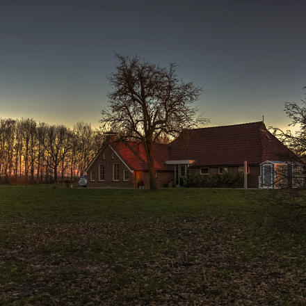 sunset at the house, Sony SLT-A77V, Sony DT 16-105mm F3.5-5.6 (SAL16105)