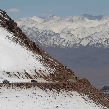 coming down from khardung, Canon EOS 7D, Canon EF 35-350mm f/3.5-5.6L