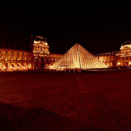 Night view of Louvre, Canon EOS 8000D, Canon EF-S 10-18mm f/4.5-5.6 IS STM