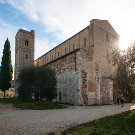 Abbey of Sant'Antimo, Nikon D300, Tamron SP AF 10-24mm f/3.5-4.5 Di II LD Aspherical (IF) (B001)