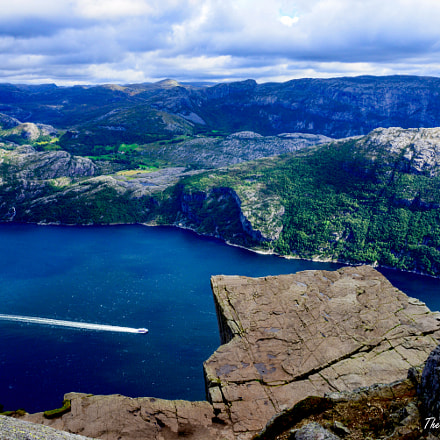 Preikestolen (Pulpit rock), Norway, Nikon D610, AF Zoom-Nikkor 35-80mm f/4-5.6D N