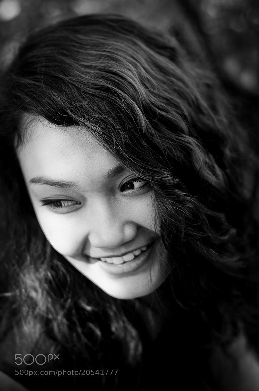 Photograph foofoo lady 1 by piti singhanuwongsa on 500px