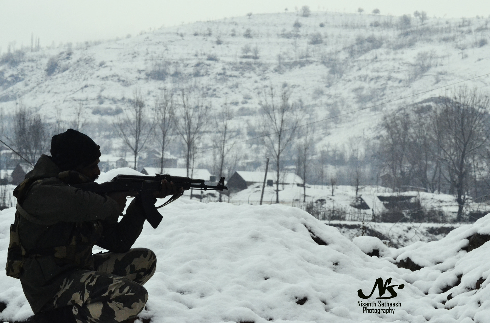 Photograph indian army on duty defence in jammu and kashmir by Nisanth Satheesh on 500px