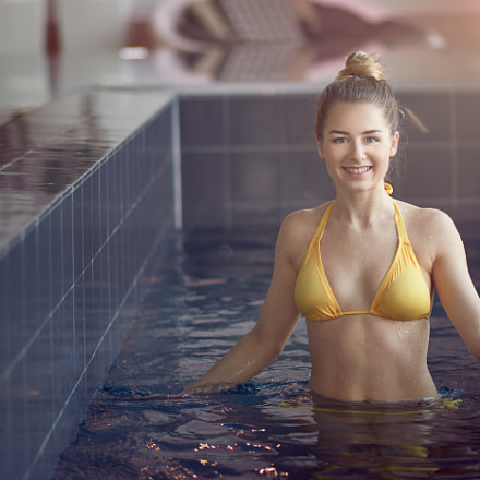 Young woman in swimming, Nikon D800, Nikon AF-S Nikkor 85mm f/1.8G
